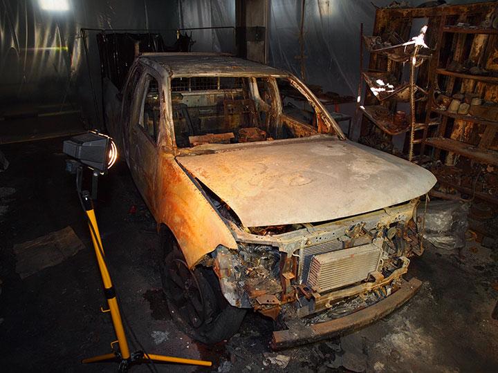 veicolo incendiato